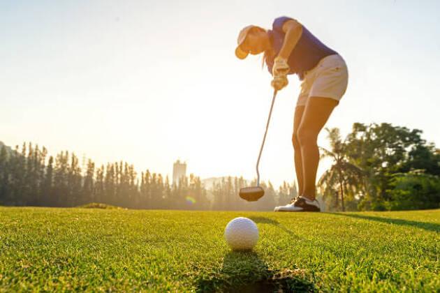寒い時期に海外でゴルフ合宿を行う人も!