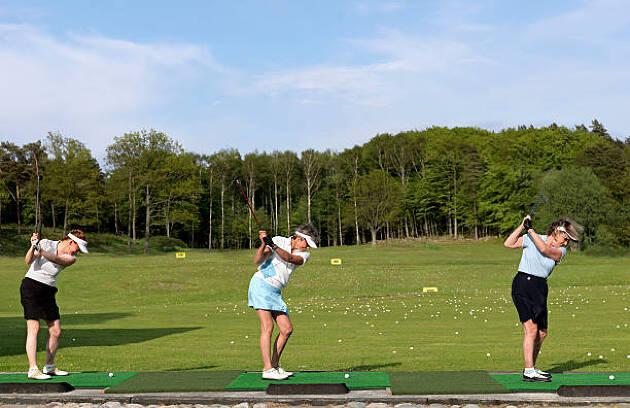 友達同士でゴルフ練習場に行くのも効果的