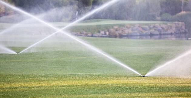 心の中でグリーンに水を撒くと、グリーンの最下点がわかる