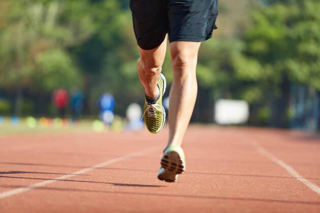 足は体の土台になります。
